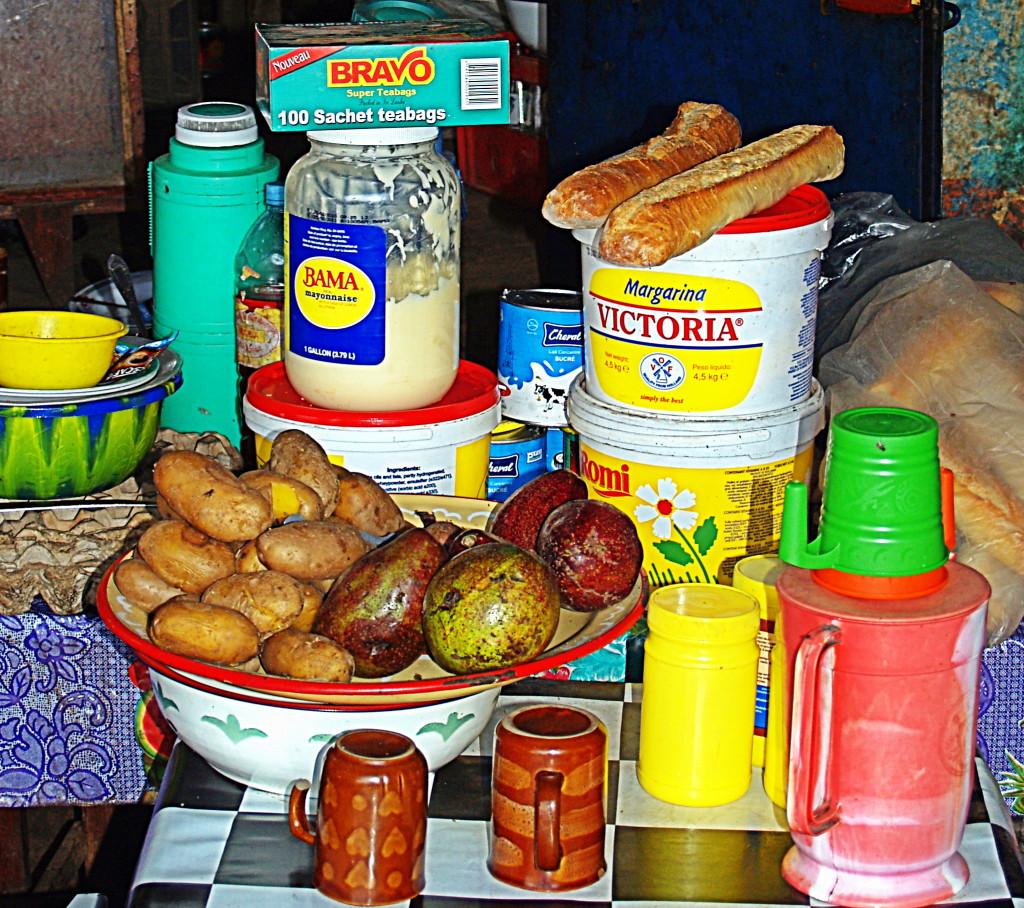 Roadside breakfast in Guinea