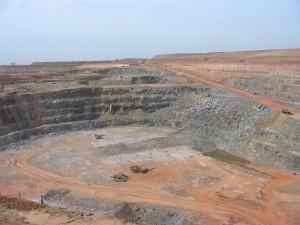 MALI-Morial-open-pit-gold-mine-300x225