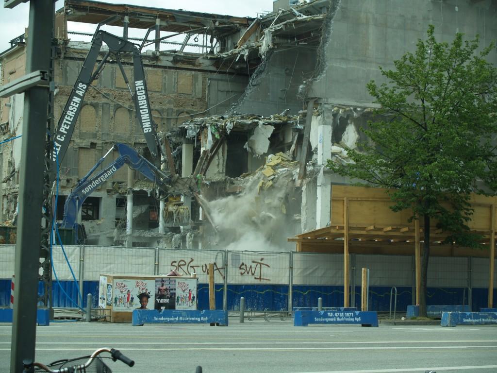 Copenhagen wrecking machine at work