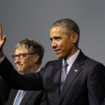 Bill Gates hobnobs with elected leaders at COP21 in Paris. Copyright DW/ N. Pontes